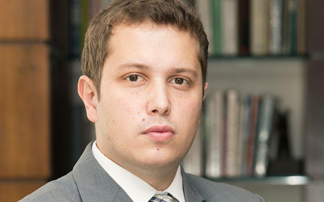 Dr. Vitor Augusto Sprada Rossetim